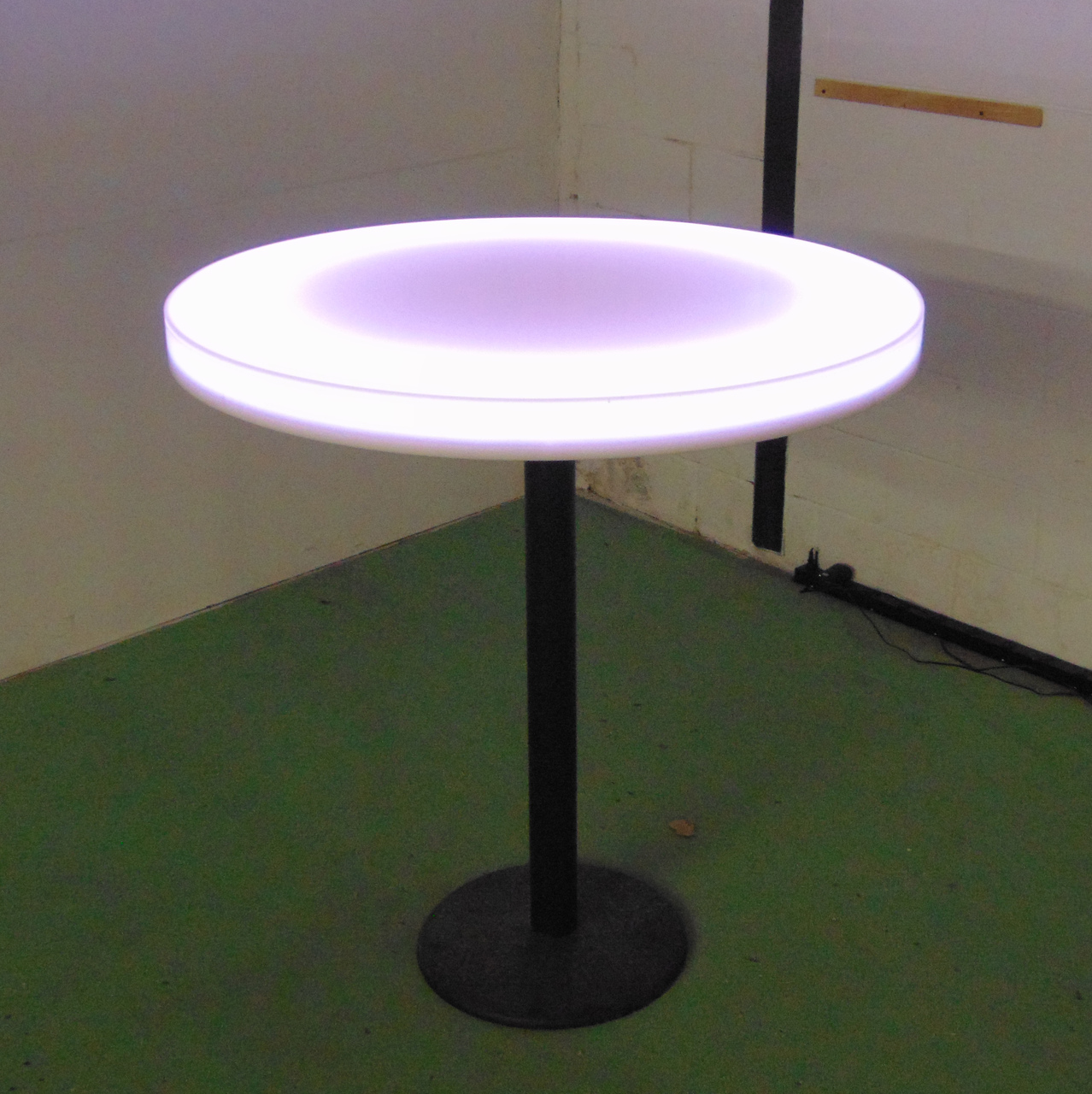 Round 30 inch Lighted Circle Table
