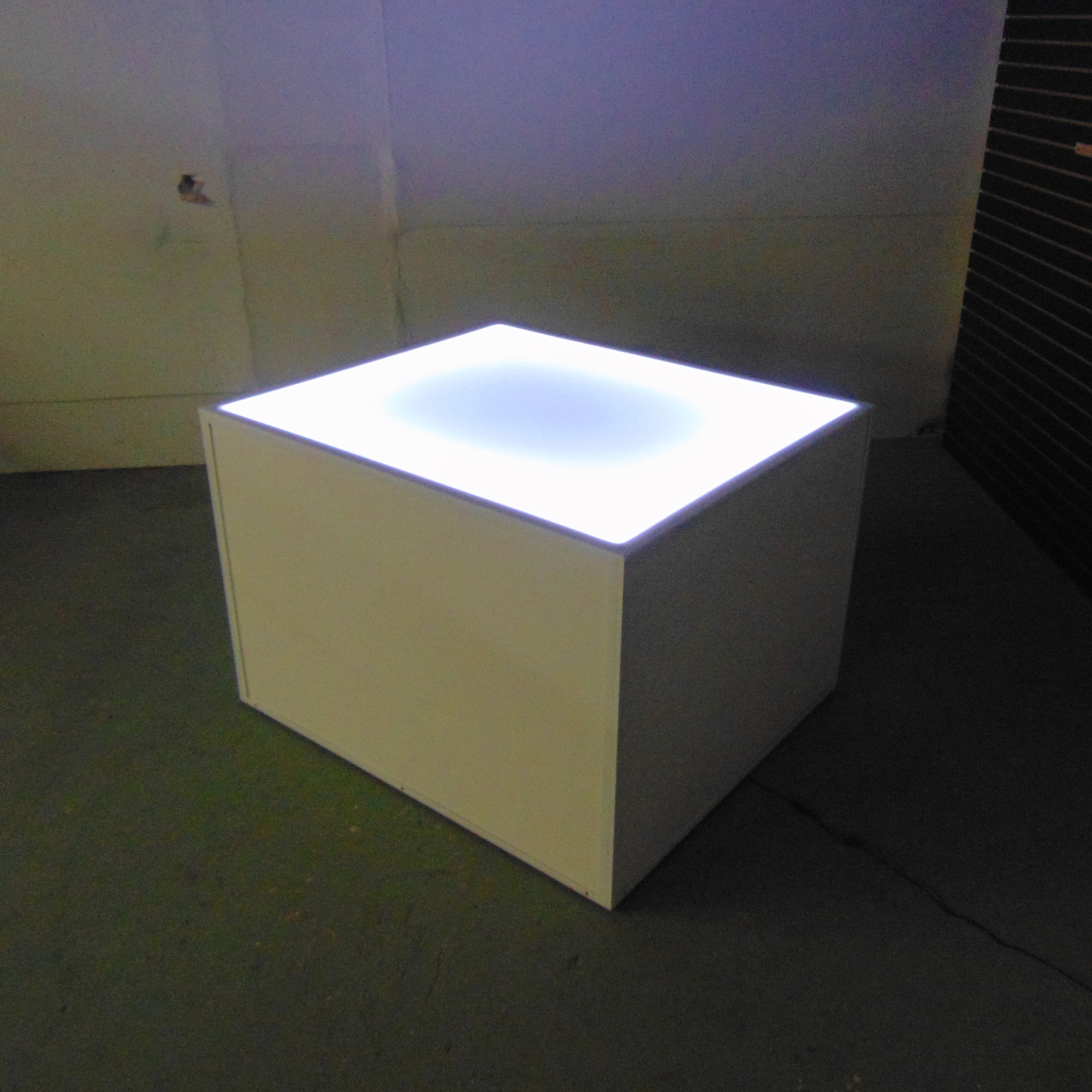 White Retail Box Table | 48x42x32